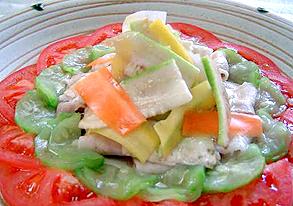 ナーベーラーと島野菜のサラダの写真