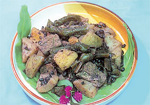パパイヤと小豆と昆布の煮物の写真