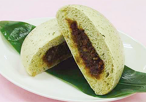 空心菜肉包(ウンチェー饅頭のそぼろ包み)の写真