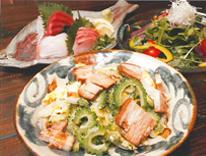 泡盛と沖縄料理 郷家の写真2