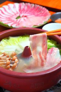沖縄料理とうまいもん てぃーだむーんの写真1
